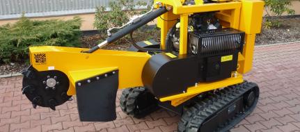 Fresadora para troncos sobre chasis de banda con control remoto  P 38 R - EFI