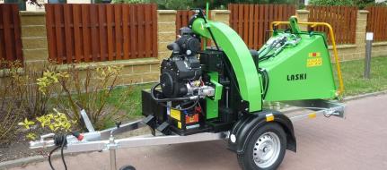 Astilladora de gasolina con chasis con freno LS 150/27 CB