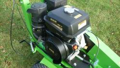 Fresadora manual ligera para troncos con el motor Kohler F 360 SW/14