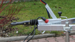 Astilladora de gasolina con chasis con freno  LS 150/38 CB