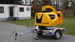 Astilladora de diésel de alto rendimiento, con el chasis con freno y el eje ajustable (25 HP) LS 160 DWBS