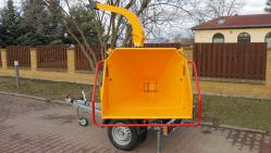 Astilladora de gasolina de alto rendimiento con chasis frenado  LS 160 PB